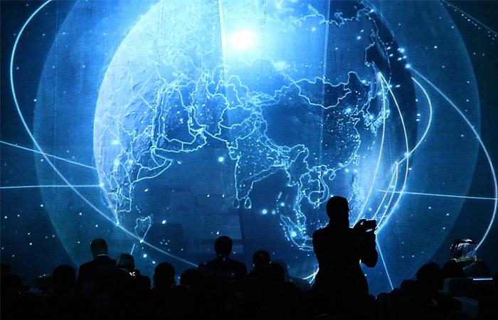 В государственной думе допустили возможность отключения РФ отИнтернета