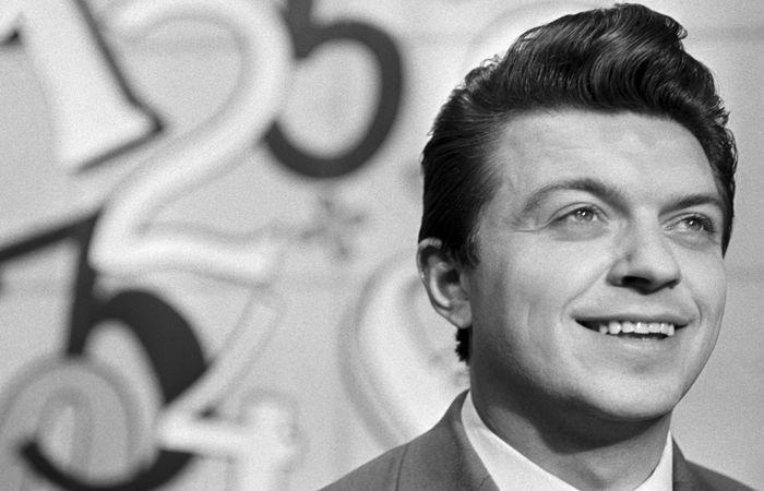 Скончался известный диктор программы Время— Ушла легенда