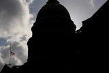 Сенат Конгресса США одобрил санкции против Сирии и ее союзников