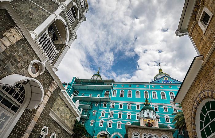 Епископа новой церкви Украины не пустили в русский монастырь на Афоне