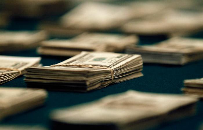Чистый отток капитала изРФ ксередине зимы превысил $10 млрд