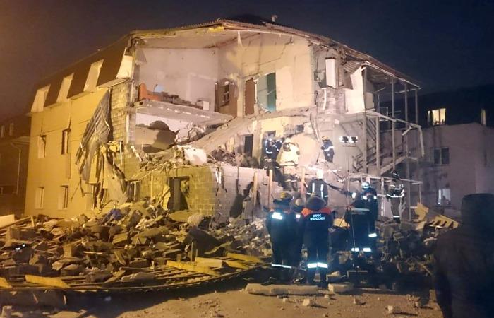 Взрыв в доме в Красноярске разрушил шесть квартир