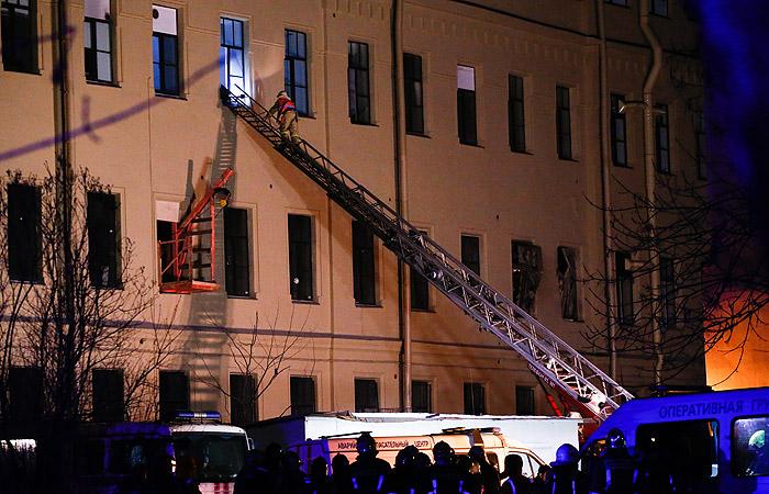 Никто не погиб в результате обрушения перекрытий в петербургском вузе