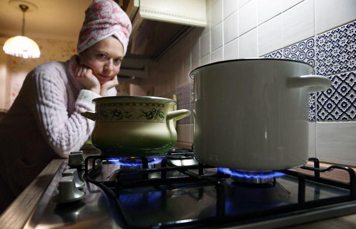 В Минстрое рассказали о планах сократить отключения горячей воды до трех дней