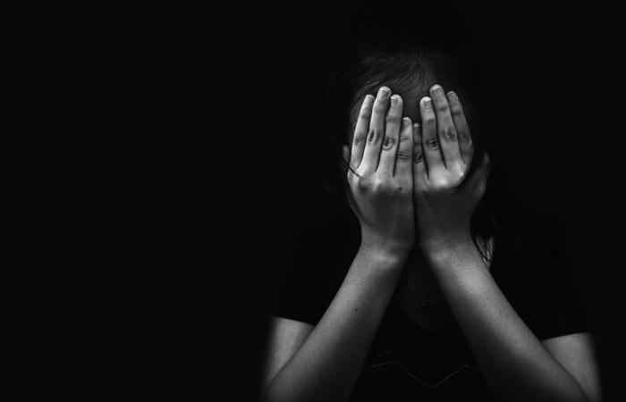 Родители избили пятиклассника в школе в Приморье за издевательства над их детьми