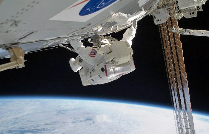 Впервые в истории две женщины выйдут в открытый космос