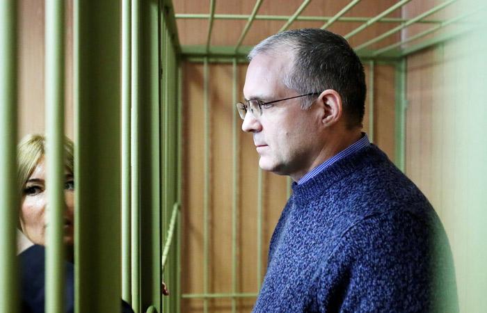 Обладателя четырех паспортов Пола Уилана оставили под арестом до 28 мая