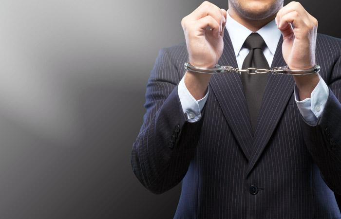 Путин поручил ограничить основания для продления ареста по делам об экономических преступлениях