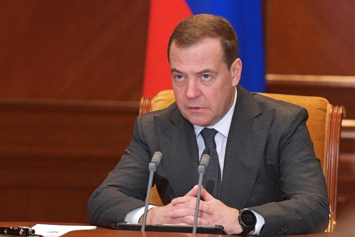 Медведев назвал приостановку Россией выполнения ДРСМД зеркальным ответом США