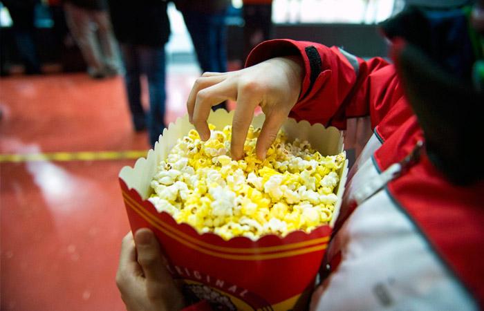 """Часть кинотеатров согласилась отменить бойкот мультфильма """"Гурвинек"""""""