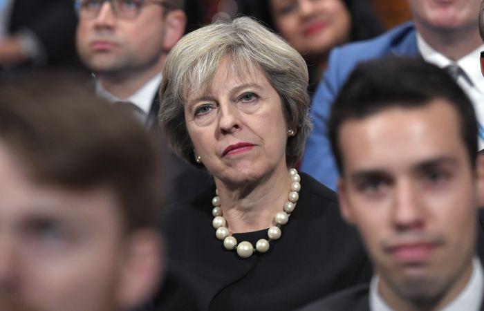 Telegraph сообщила, что консерваторы поддержат сделку Мэй, если она согласится на отставку