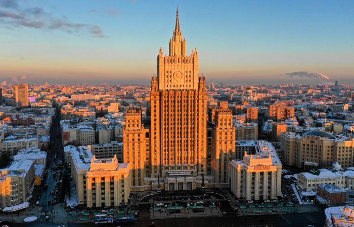 МИД РФ пообещал практический ответ на новые санкции США и Канады