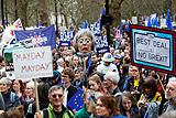 На марш в поддержку второго референдума о Brexit в Лондоне вышли сотни тысяч человек
