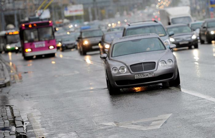 Для столичных водителей с 14 апреля закроют выделенные полосы на 5 магистралях