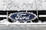 Козак сообщил об отказе Ford от выпуска легковых автомобилей в РФ