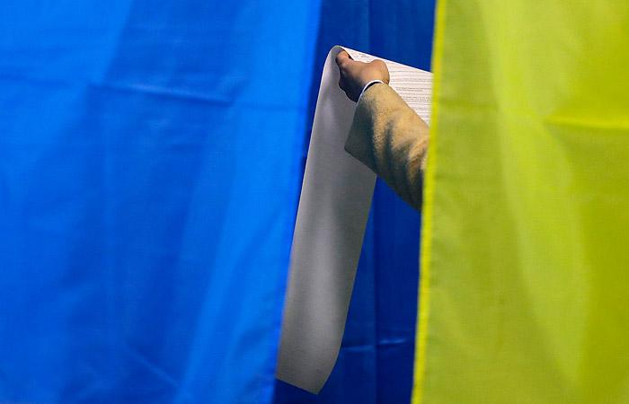 Более 900 жалоб на нарушения на выборах поступило в полицию Украины
