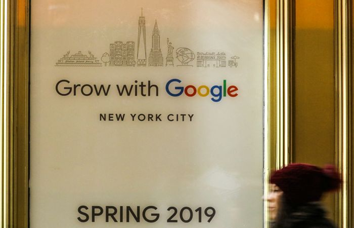 Google установил минимальную зарплату $15 в час для наемных работников