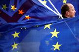 Палата общин Великобритании поддержала инициативу Мэй об отсрочке Brexit до 30 июня