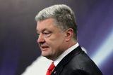 Порошенко пригласил Зеленского на дебаты в ближайшие часы