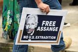 Хакеры Anonymous пригрозили британским властям после ареста Ассанжа