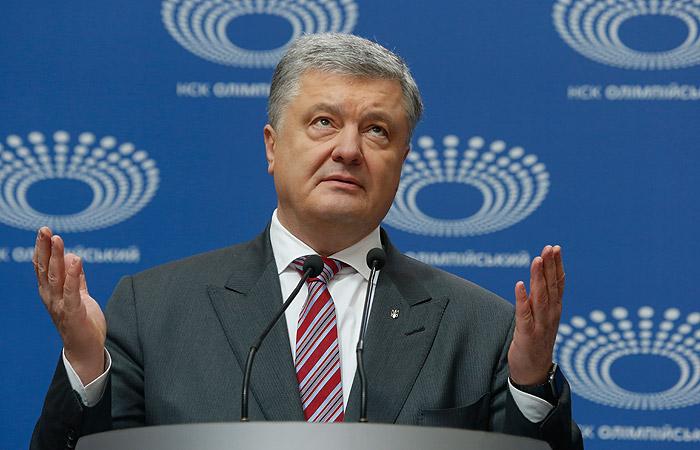 «Шоумен вполне может стать  президентом»: Зеленский записал новое видеообращение кПорошенко