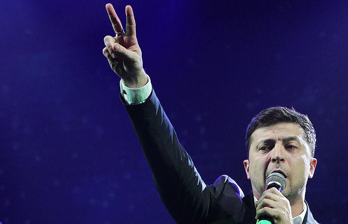 В штабе Зеленского заявили, что ждут Порошенко на дебаты 19 апреля
