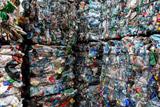 Операторы новой схемы утилизации отходов оказались на грани закрытия в нескольких регионах