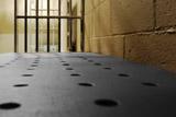 Заключенные смогут получать компенсации за плохие условия содержания без жалоб в ЕСПЧ