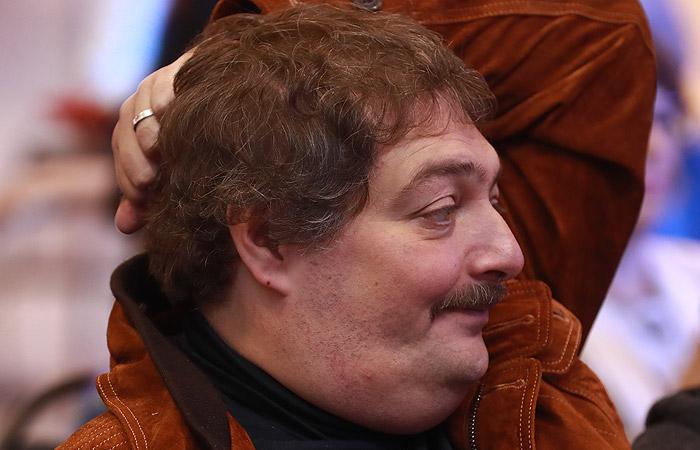 В состоянии писателя Дмитрия Быкова наметились позитивные изменения