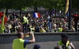 """МВД Франции подвело итоги субботней акции протеста """"желтых жилетов"""""""