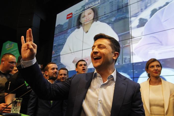 Владимир Зеленский побеждает на выборах президента Украины. Обобщение