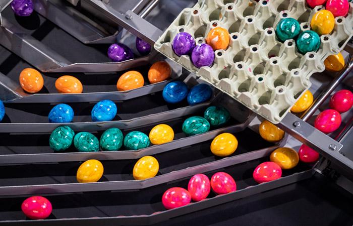 Роспотребнадзор рассказал, как выбирать куличи и яйца на Пасху