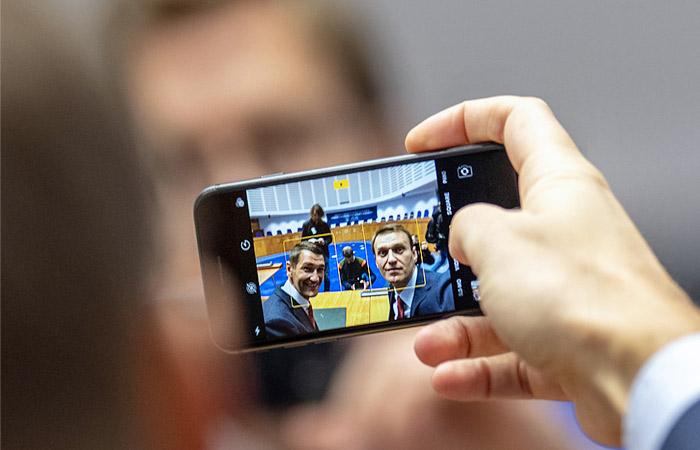 """Французский суд вызвал братьев Навальных в качестве свидетелей по делу """"Ив Роше"""""""