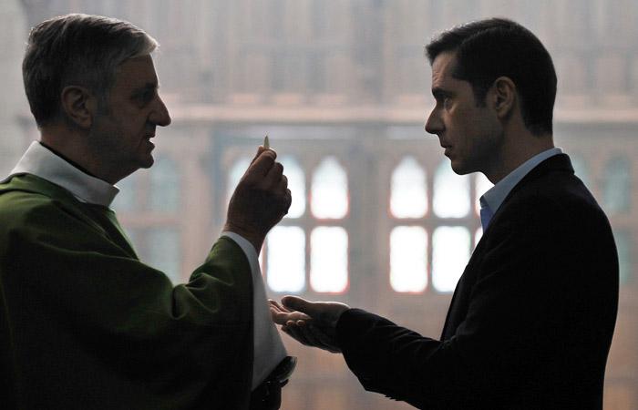 Фильм Озона о совращении детей священником выйдет в России позже в связи с Пасхой