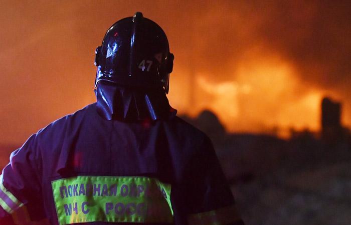 """На территории производящего ракеты """"Синева"""" завода произошел сильный пожар"""