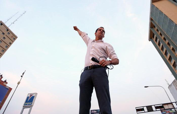 Гуайдо заявил о готовности армии Венесуэлы помочь в свержении Мадуро
