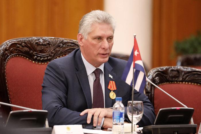 Лидер Кубы осудил угрозы Трампа ввести санкции из-за поддержки Мадуро