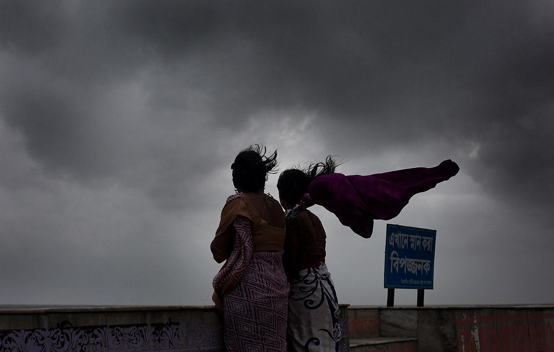 """Циклон """"Фани"""" обрушился на побережье Индии"""
