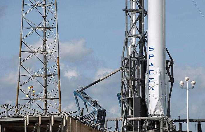Запуск грузового Dragon к МКС перенесли в пятый раз из-за неполадок