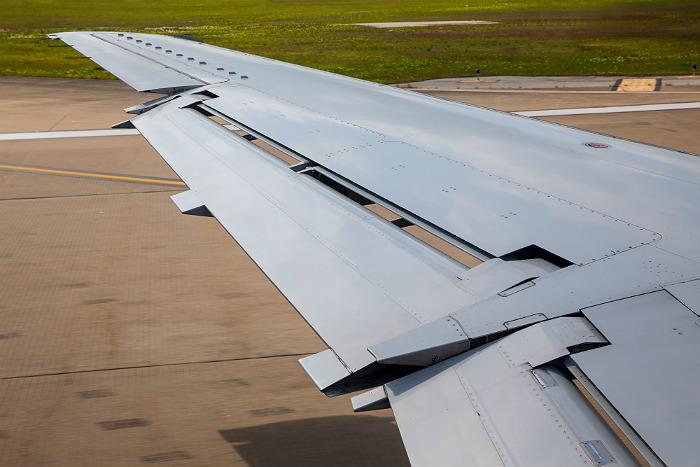 После аварийной посадки Superjet возбуждено дело о гибели двух и более человек