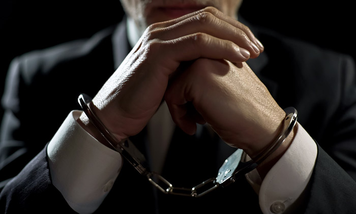 Треть россиян испытали удовлетворение от арестов высокопоставленных чиновников
