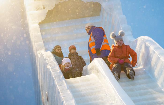 Минтруд предложил устроить в 2020 году восьмидневные новогодние каникулы