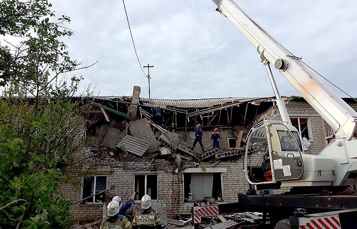 Семьи погибших при взрыве газа в Ростовской области получат по 1 млн рублей