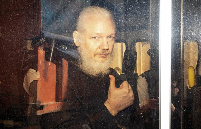 Швеция возобновила расследование в отношении Ассанжа