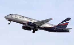 Источник назвал причину возвращения летевшего в Самару SSJ-100 в Москву