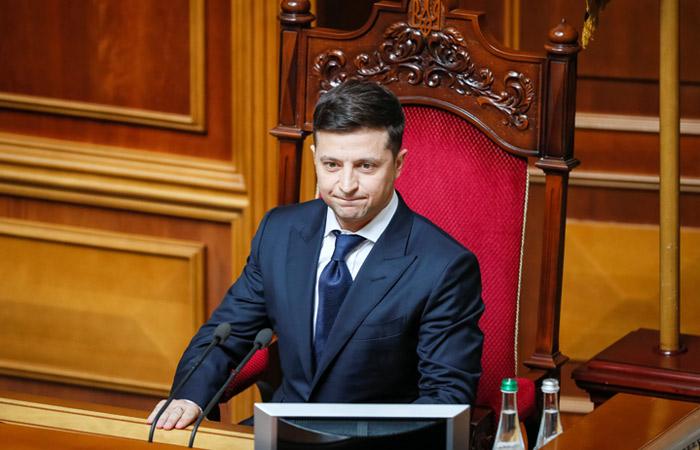 Кремль не будет поздравлять Зеленского со вступлением в должность президента Украины