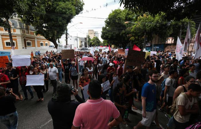 Одиннадцать человек убиты в результате нападения в баре на севере Бразилии