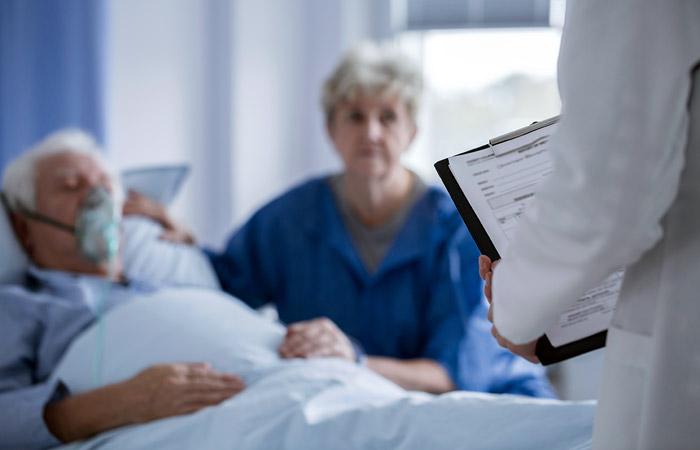 Госдума разрешила родственникам посещать больных в реанимации