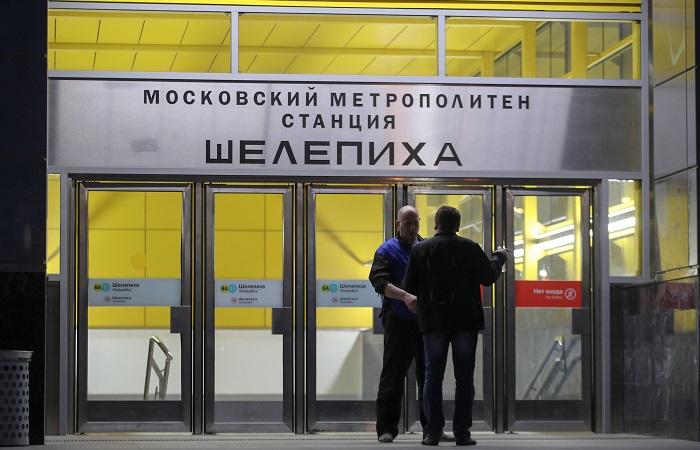 Пассажиров застрявших в московском метро поездов эвакуировали спустя три часа после аварии