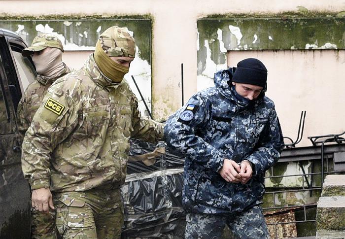 Трибунал ООН обязал Россию вернуть Украине арестованных моряков и корабли